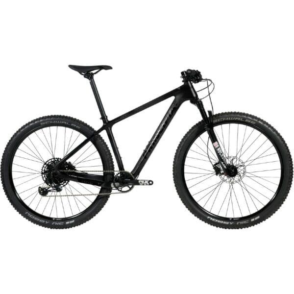 Matsort Principia carbon hardtail mountainbike med 1x12 gear og luftforgaffel