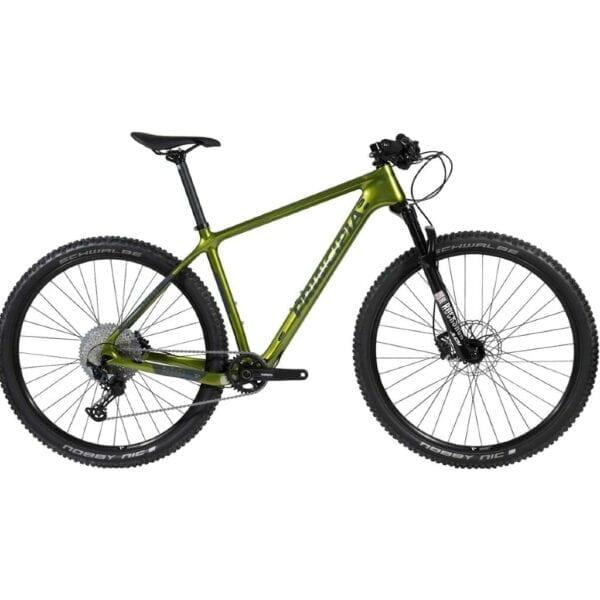 Principia Evoke Carbon XT i grøn farve med sort forgaffel og 12 udvendige Shimano XT gear